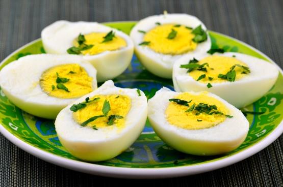 Free range eggs vs battery egg